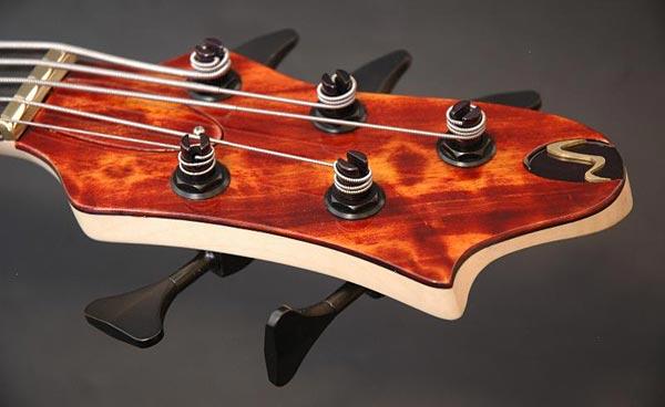 Wood & Tronics Chronos 5 Extra-Amber Headstock
