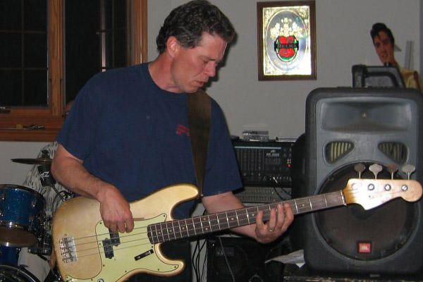 Old School: 1963 Fender Shoreline Gold Precision Bass