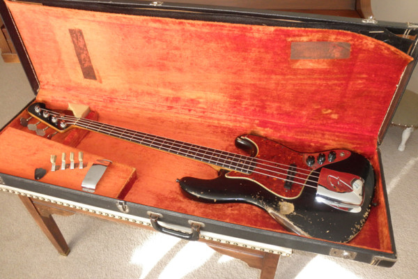 Old School: 1963 Fender Jazz Bass
