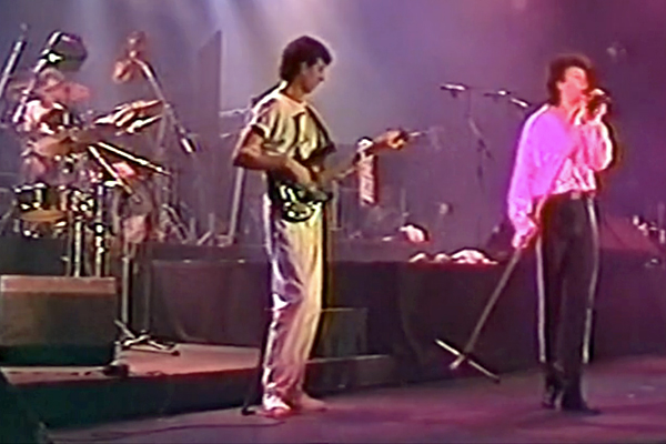 "Paul Young: ""Wherever I Lay My Hat"" Live, with Pino Palladino (1985)"