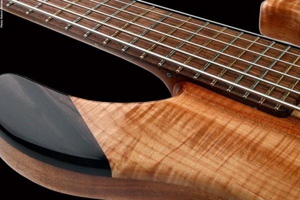 Basone Guitars Unveil 6-String Bass Guitar