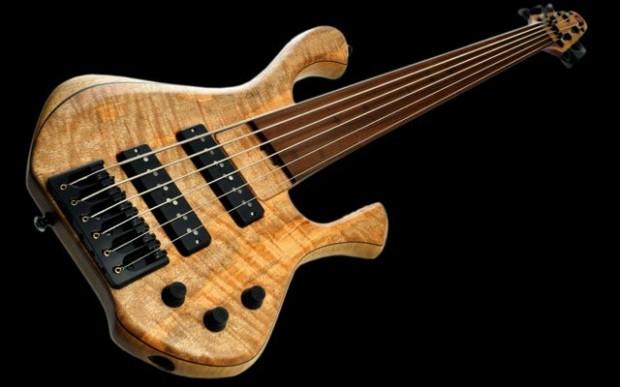 Skjoldslayer Bass