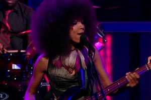 "Esperanza Spalding: ""Crowned & Kissed"", Live on the Daily Show"