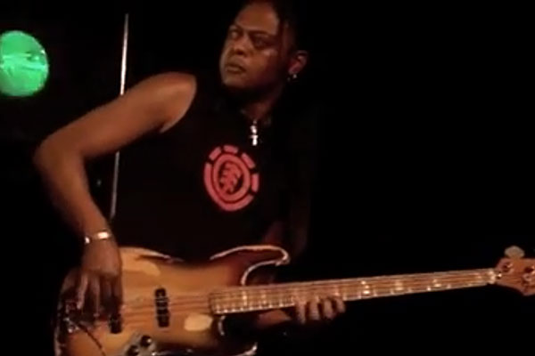 Linley Marthe: Live at bass'ndrumfestival (2008)