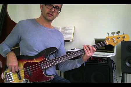 Improvising and Groove: Substituting Pentatonic Scales on a Minor 7 Progression