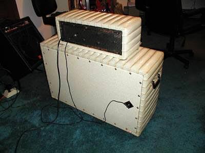 """1960's Kustom Model 200 """"Tuck & Roll"""" Bass Amp - back view"""