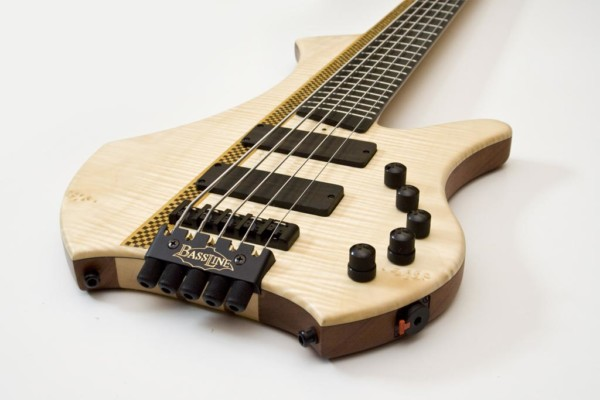 Weekly Top 10: New Gear, Constructing Bass Lines, What Makes a Great Bassist Discussion, Top Videos and More