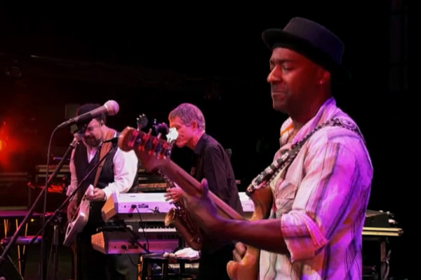 "Marcus Miller, George Duke and David Sanborn: ""Blast"", Live"