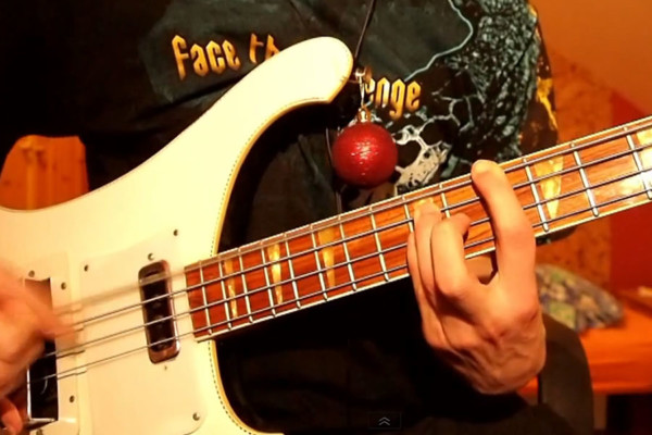 """Bas Shiver: """"Let It Snow"""" Solo Bass Performance and Lesson"""