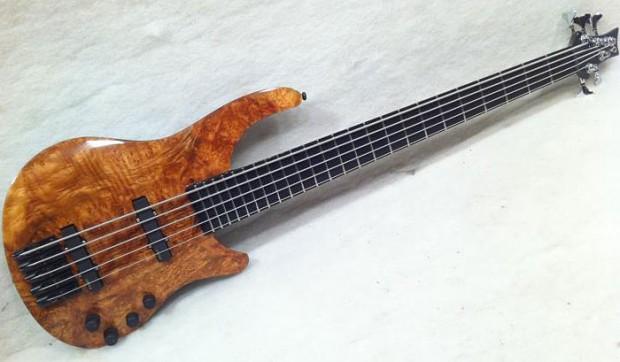 Emerald Guitars Flow Bass