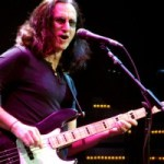 Geddy Lee Gives Bass to Rock and Roll Hall of Fame