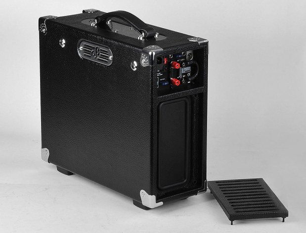 Phil Jones Limited Edition Briefcase Ultimate Bass Amp Combo (back - open)
