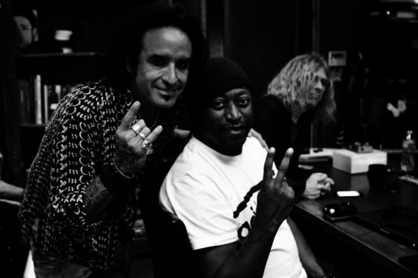 Darryl Jones Joins Dead Daisies for Tour