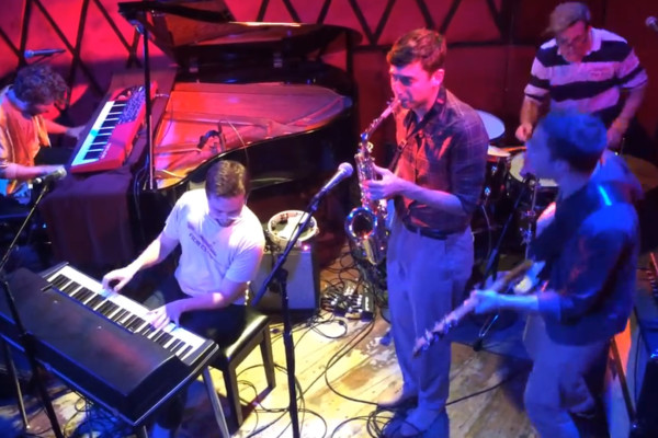 "Vulfpeck: ""Outro"" Live at Rockwood Music Hall"