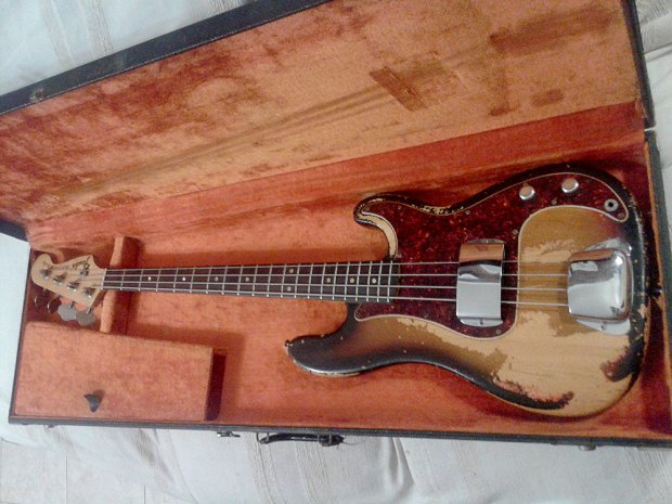 1968 Fender Precision Bass - front (body)