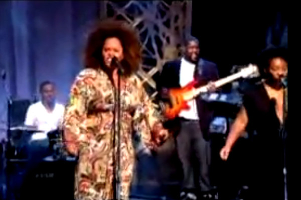 "Jill Scott, Featuring Adam Blackstone: ""A Long Walk"" and ""Golden"", Live"