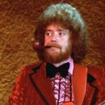 """Bass Players You Need To Know: Donald """"Duck"""" Dunn"""