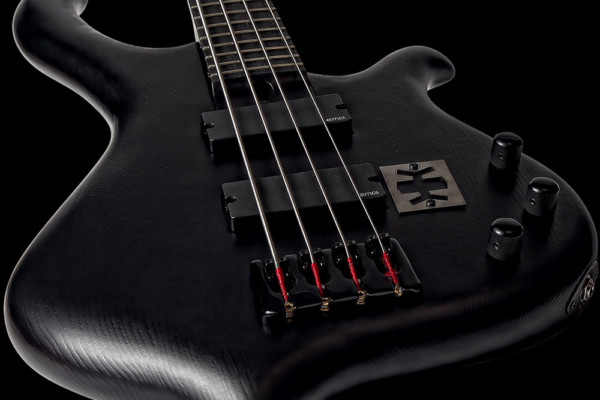 Bass of the Week: KlangKraft Tiefdruck IV EMG