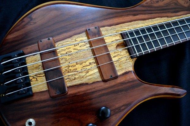Ella Basses Isaac Singlecut 4-String Bass Pickups