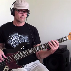 Bass Lick Series: Funky Fingerstyle Bass Groove