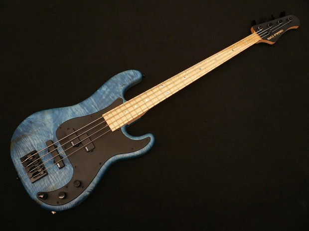 Soame Custom Guitars PJ435 Bass Angle