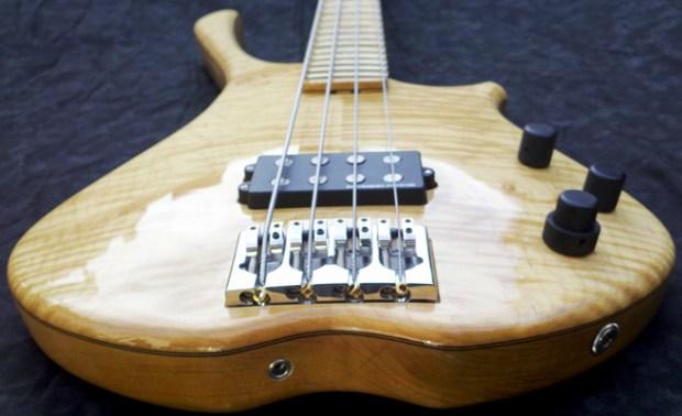Scott Guitar Works SB-2 Bass - body