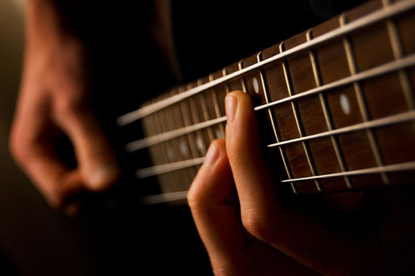 Maintaining Your Tone Between Fingerstyle and Slap