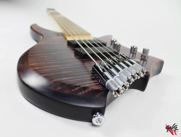 Negrini Guitars Fëanor JMS6 Bridge Closeup