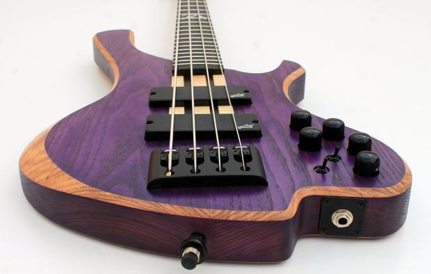 o3 Guitars Rhodium Purplehaze Bridge Closeup