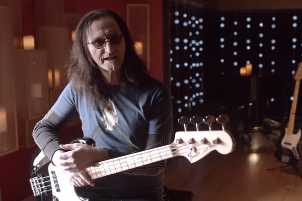 Geddy Lee on Developing His Right-Hand Picking Technique