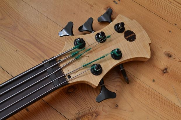 Joe Goldsmith Singlecut Headstock