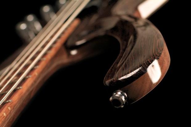 Vibrance Guitars Bass 4 Strap Button
