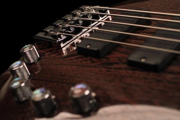 Vibrance Guitars Bass 5 Bridge