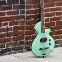 R. Hyde Guitars Unveils The Nuvo Bass