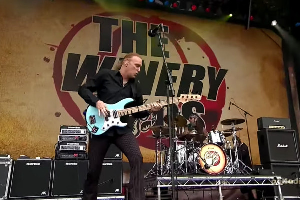 The Winery Dogs: Elevate / The Other Side (Live)