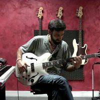 "Kike Mora: ""Yesterday"" Solo Bass Performance"