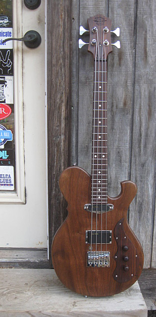 Birdsong Guitars Sparrow Bass 2