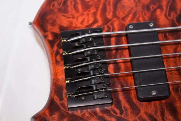 39 Custom Guitars CK Canorous Bass Bridge