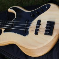 AMJ Guitars Fretless Bass