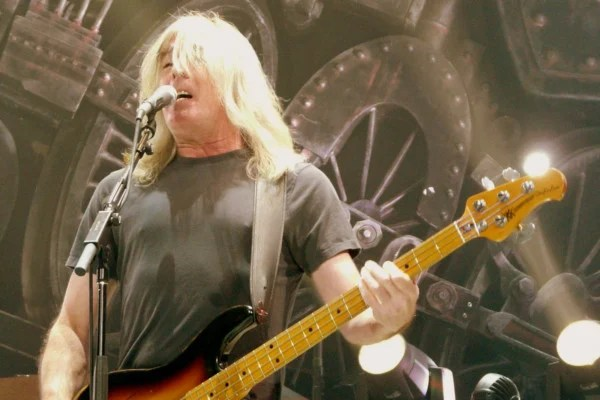 Cliff Williams Officially Retires from AC/DC