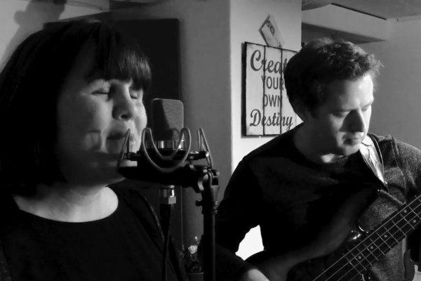 Jakob Forslund & Anna Duveskog: Blackbird