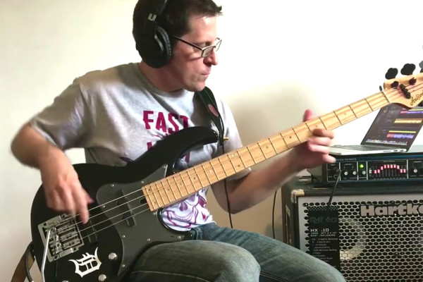 "Brad Russell: Steve Vai's ""The Attitude Song"" on Bass"