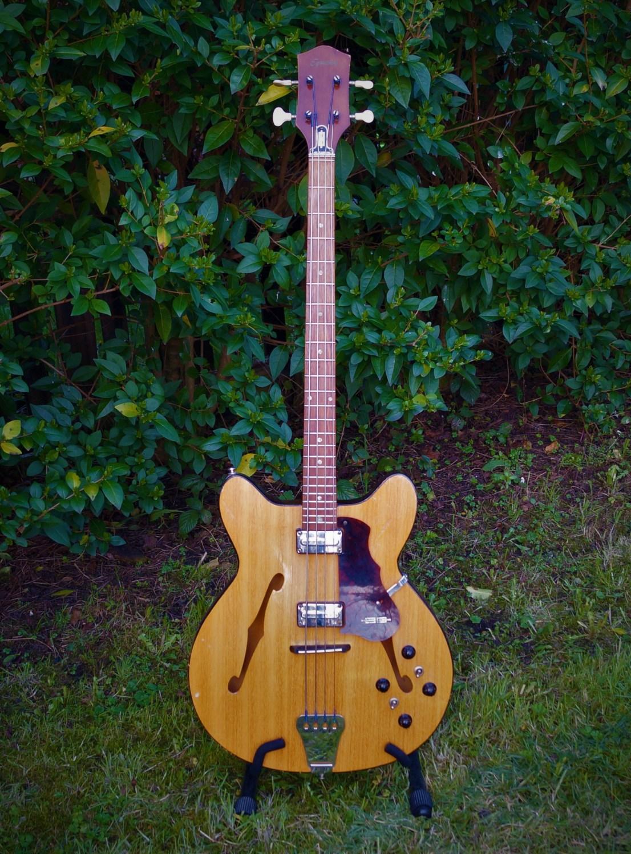 1964 Egmond Princess Bass