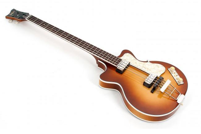 Hofner Club Bass 500/2 Double Cut Angle Left