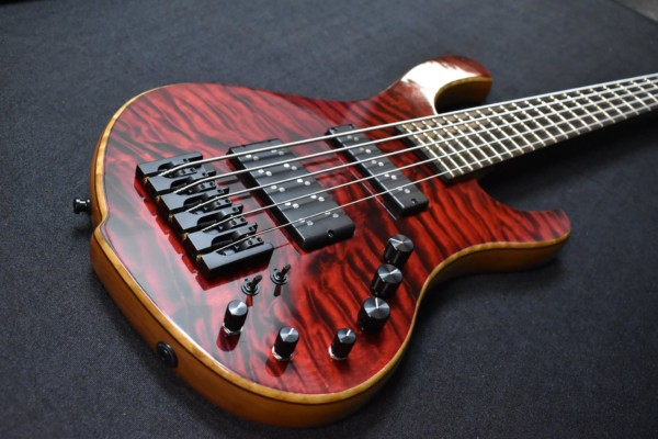 Bass of the Week: Anka Custom Guitars Hathor Deluxe 5-String