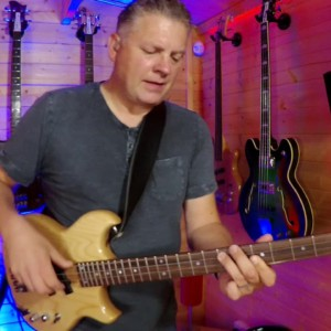 "Scott Whitley: Bass Cover of Level 42's ""Mr. Pink"""