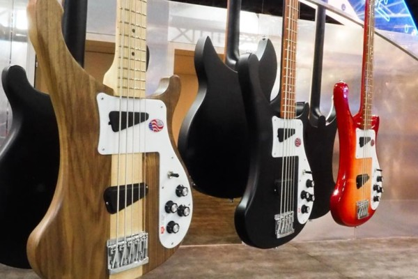 Rickenbacker Unveils the 2018 4003S/5 5-String Bass