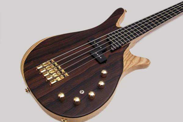 Bass of the Week: Amnesia Guitars Leo Bass