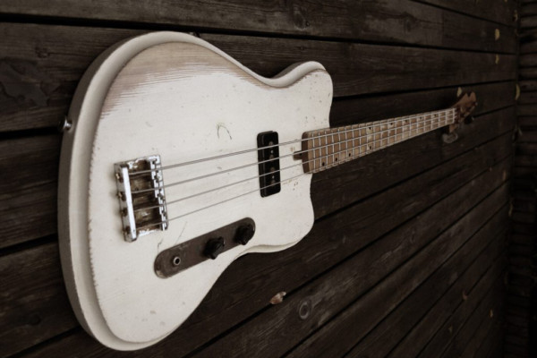 Bass of the Week: Vuorensaku Guitars Mama Bass