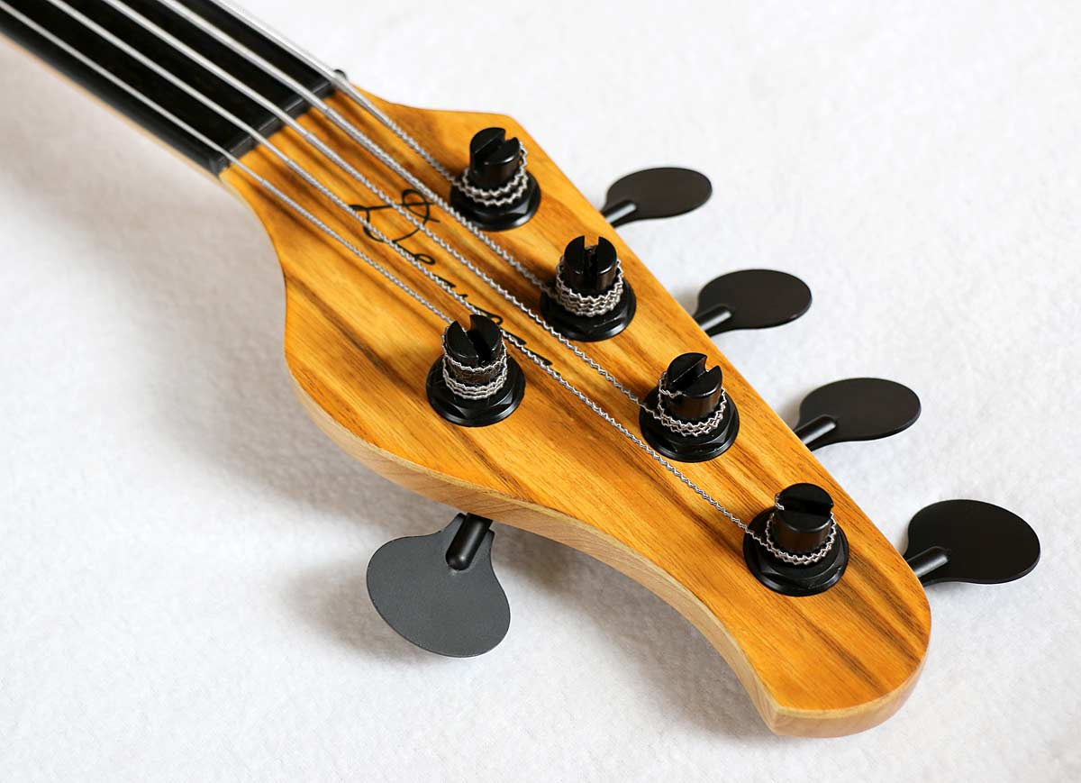 Devon Bass J5 Classic Fretless Bass Headstock 2